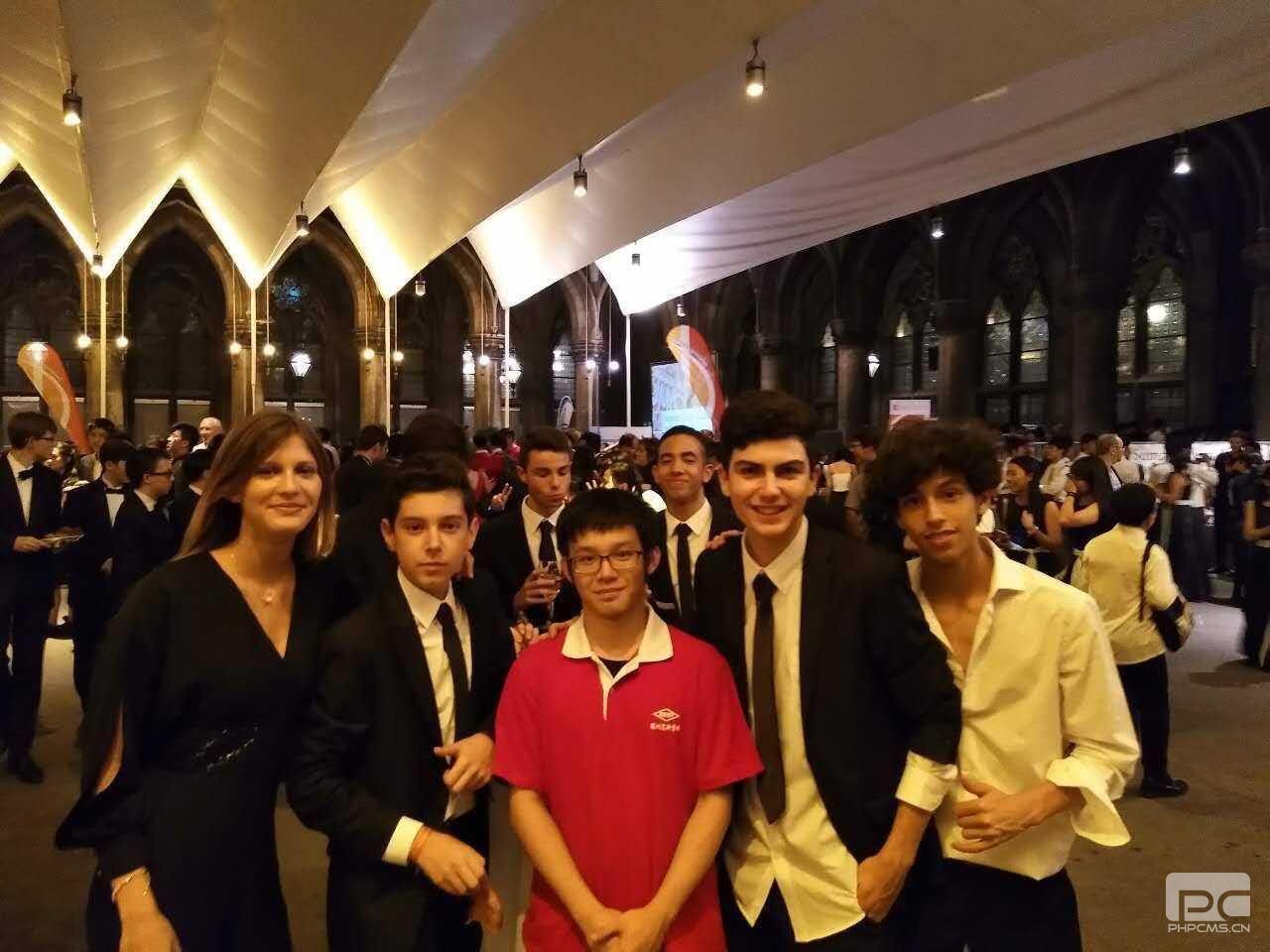黄睿炜于2017年7月随深圳实验学校交响乐团赴奥地利